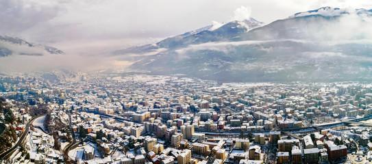 Valtellina (IT) - Sondrio - Vista aerea panoramica invernale