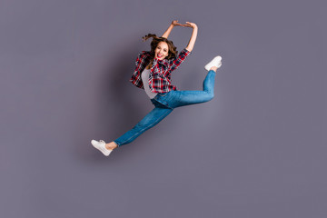 Full length body size view portrait of her she nice attractive cool shine look sporty lovely charming crazy cheerful cheery wavy-haired lady free time rejoicing isolated over gray background