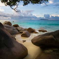 Poster de jardin Bleu fonce Hidden, secret beach and turquoise water on remote tropical beach of Praslin, Seychelles