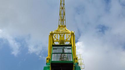 Fond de hotte en verre imprimé Port PORT CRANES - Old historic machine on the port wharf in Szczecin