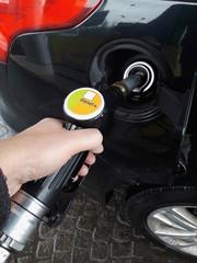 Fare gasolio all'automobilr