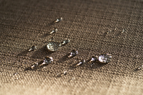 Water repellent and waterproof fabrics. How to waterproof fabric with these simple instructions for Experiment by drop water on it