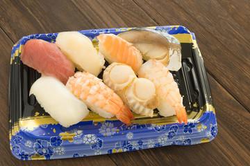 パック入りの握り寿司