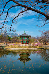 Foto op Aluminium Seoel Hyangwonjeong Pavilion, Gyeongbokgung Palace, Seoul, South Korea