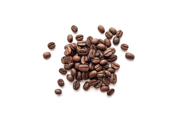 Foto op Canvas koffiebar Roasted coffee beans isolated on white background. Close-up.