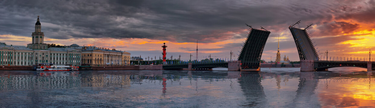 Panorama of dawn over the Neva river and Palace bridge in St. Petersburg