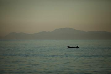 canoeiro no mar