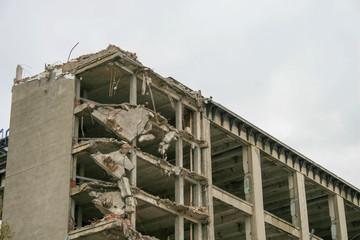 Fototapeta rozbiórka starej fabryki duży gmach budynek warszawa obraz
