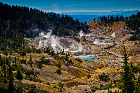 Bumpass Hell volcanic thermal area