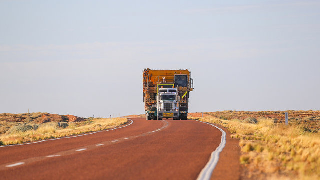 """Truck """"Oversize"""" carries oversized cargo, wide load. Australia. Large vehicle"""