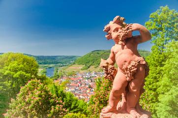 Barocke Putte am Kloster Engelberg über dem Main im Spessart