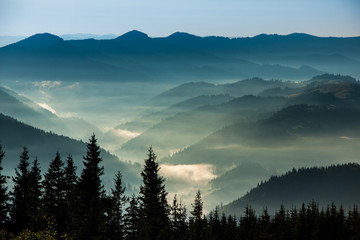 Photo sur Aluminium Bleu jean The Carpathians mountains