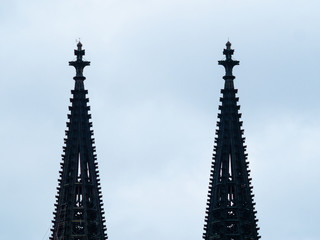 Fotomurales - Cologne Cathedral with scaffold against cloudy sky