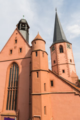 Kirche mit Glockenturm