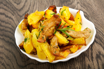 Fried potato with pork