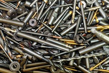 Metall Recycling, alte Fräser und Bohrer als Altmetall zur Wiederverwertung