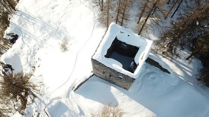 Ruine im Schnee