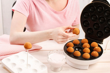 How to make cake pops, tutorial.