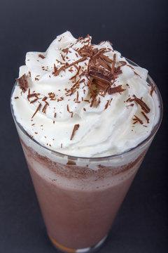 Chocolat chaud et crème chantilly, chocolat viennois