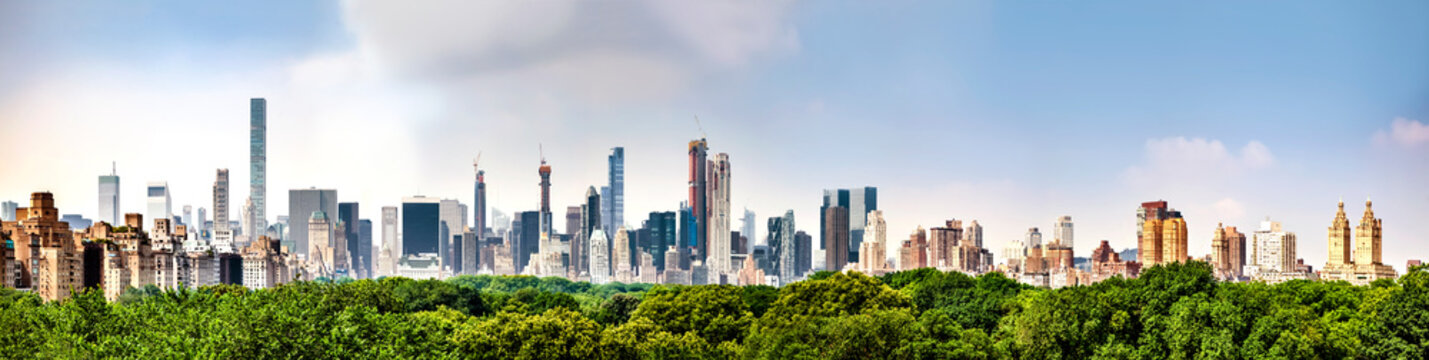 Amazing panorama view of New York city skyline and Central Park