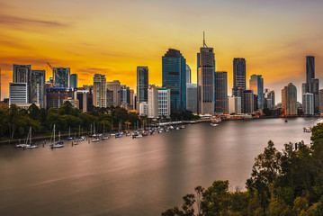 Wall Mural - Sunset skyline of Brisbane city and Brisbane river