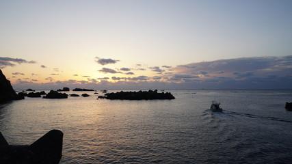 朝日と水平線