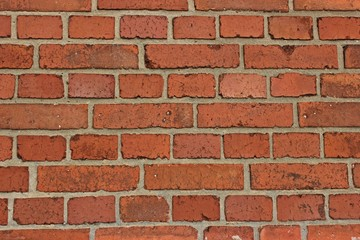 Mauer aus rotem Backstein