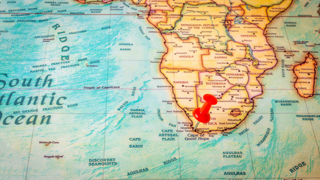 Red pin on map of South Africa, capital city Cape town