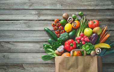 In de dag Keuken Shopping bag full of fresh vegetables and fruits