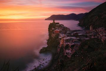 caldo tramonto a Vernazza