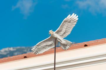 peace dove sculpture