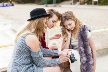 Photographer showing fashion models photos