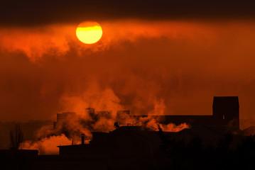 Fototapeta dym z fabryki, noc obraz
