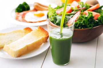 青汁 朝食イメージ Green juice and breakfast image