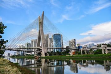 Ponte Octavio Frias de Oliveira (Ponte Estaiada) em Sao Paulo, Brasil