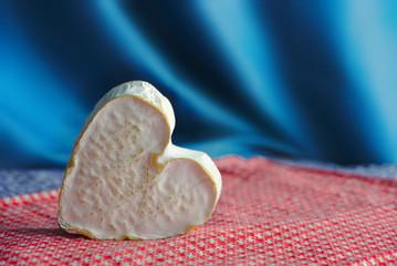 Neufchâtel, fromage Normand en forme de coeur (A.O.P.). De la région de Neufhâtel-en-Bray