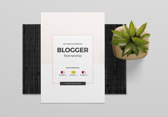 Blogger Portfolio Layout with Pink Accents