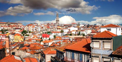 Blick vom Hügel Pena Ventos auf die Altstadt Ribeira von Porto