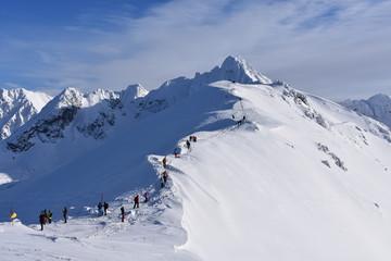 turysci w Tatrach Tatry Tatrzański Park Narodowy zima TPN Góry Świnica