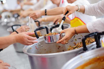 Feeding the homeless and the poor - Help Poor People