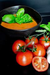 Tomatensuppe, Tomate Knoblauch und Basilikum