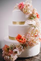 Gros plan gâteau de mariage