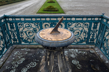 herrenhausen palace garden clock sundial winter moist