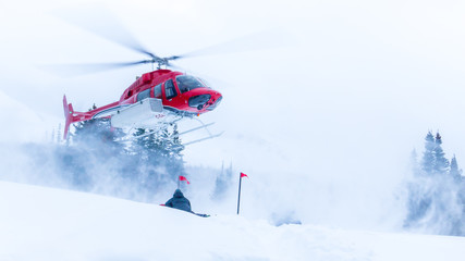 Stores photo Hélicoptère Helicopter coming in for a winter landing