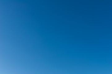 blauer Himmel wolkenlos
