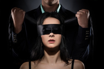 Fototapeta Couple Love Kiss, Sexy Blindfolded Woman and elegant Man in Suit obraz