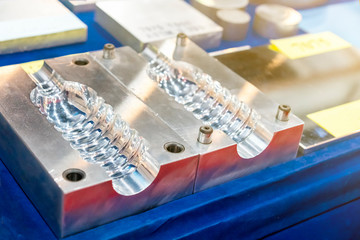 bottle injection or blowing plastic mold for mass production  industrial  made from high accuracy...