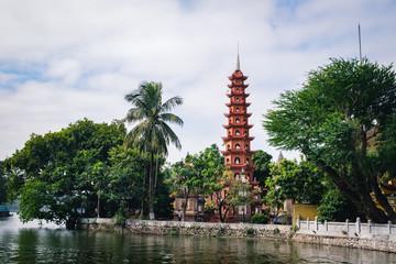 ベトナム・ハノイ・チャンクオック寺