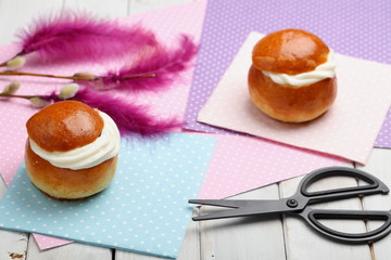 Fastelavn decorations and buns