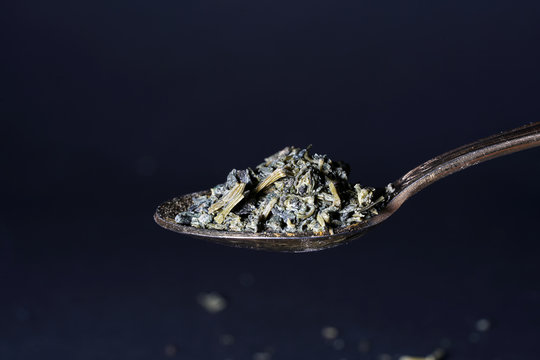 Jiaogulan herb is also referred to as the herb of the immortals and sold.
